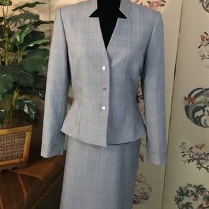 Tahari peplum Gray Skirt Suit.  Size 8